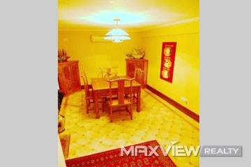 Old Lane House on Yan an M Road 4bedroom 300sqm ¥40,000 L00296