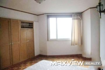 Old Apartment on Yandang Road 4bedroom 150sqm ¥30,000 L00564
