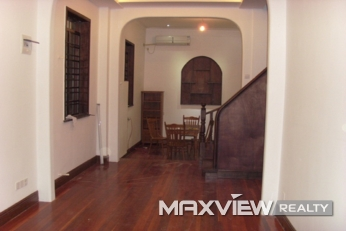 Old Lane House on Wuyuan Road  4bedroom 162sqm ¥42,000 SH009979