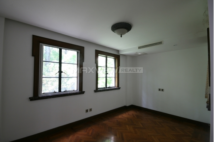Old Lane House on Nanjing W. Road  5bedroom 350sqm ¥75,000 L00631