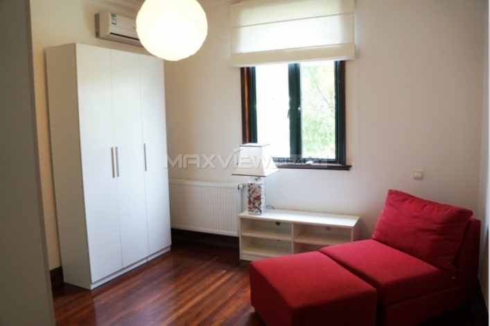 Old Apartment on Huaihai M. Road 4bedroom 200sqm ¥40,000 L00777