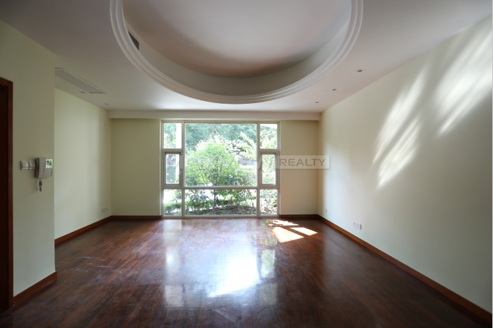 Beverly Court  3bedroom 242sqm ¥48,000 SH014802