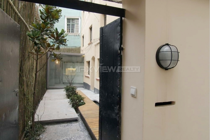 Old Apartment on Nanhui Road 3bedroom 360sqm ¥60,000 SH009170