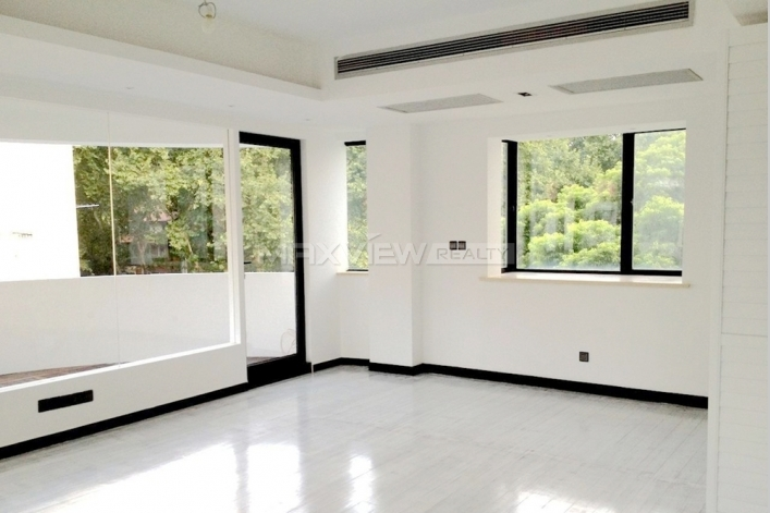 Old Apartment on Wulumuqi Road 3bedroom 200sqm ¥40,000 SH800038