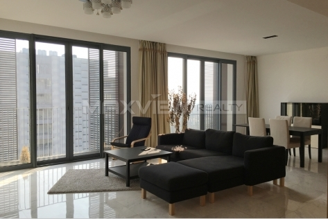 Pretty 4br 217sqm Lakeside Ville Rental in Shanghai