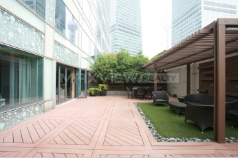 IFC Residence Serviced Apartment with Huge Roof Garden
