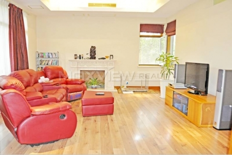Rent a spacious house in Xijiao Hua Cheng Villa