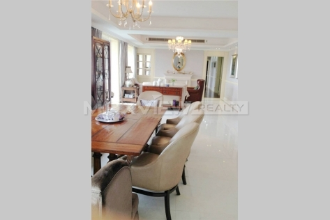 Rent a glamorous 4br 256sqm apartment in Chevalier Place
