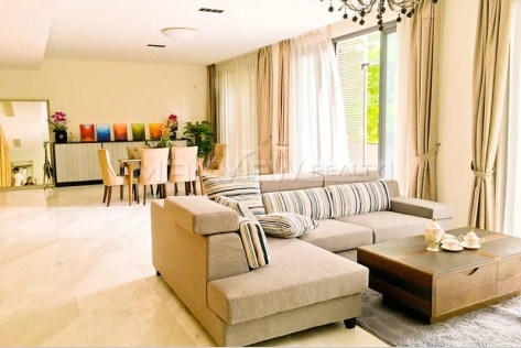 Pretty 3br 270sqm Lakeside Ville Rental in Shanghai