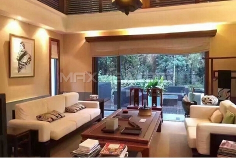 Splendid 5br 458sqm Lakeside Ville