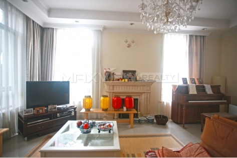 Rent a house in Shanghai Violet Country Villa