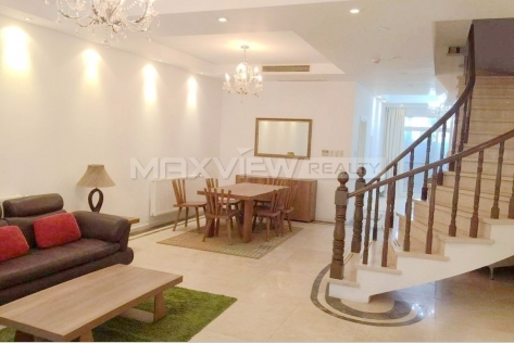 Rent a house in Shanghai Tomosn Golf Villa