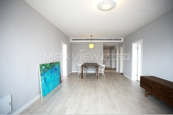Newly renvated apartment for rent in Fuxing Garden