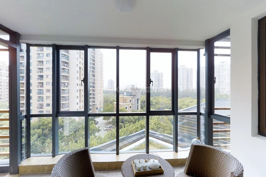 Green Court Serviced Apartment