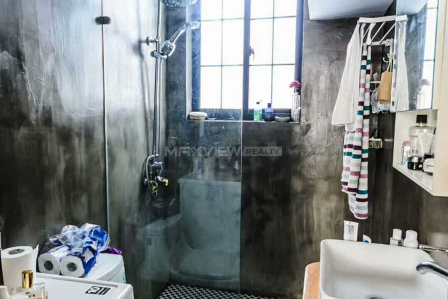 Old Apartment on Changshu Road 1bedroom 70sqm ¥15,800 SH014069