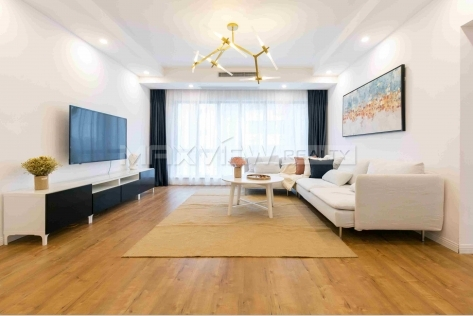 Newly renovated apartment in Grand Plaza with roof terrace