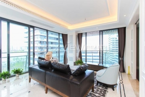 Lujiazui no.1 Court 4br 200sqm Apartment