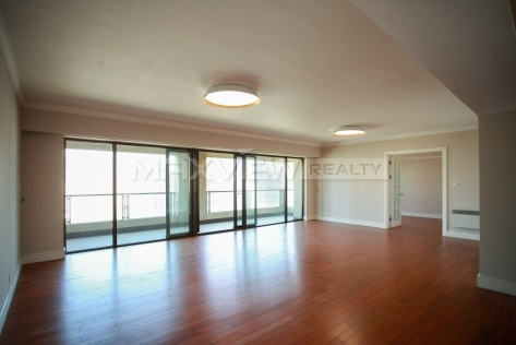 Lakeville Regency High Floor 4-Bedroom Apartment with Fantastic City View