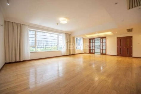 Skyline Mansion 3br 266sqm in Lujiazui