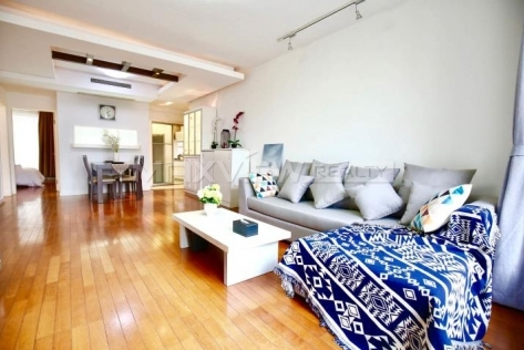 East Huaihai Apartment 3br 130sqm in Downtown