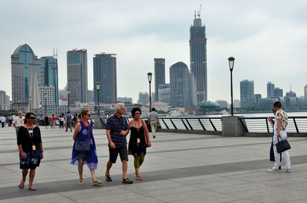 The Life of Foreigners in Shanghai (Photo Essay)